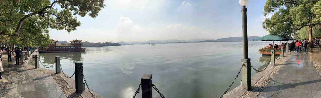 Exploring the west lake in hangzhou!