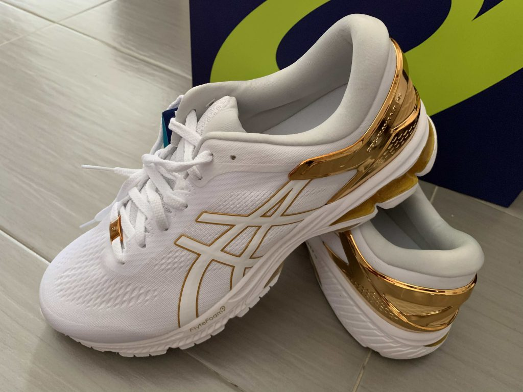 The Kayano 26 Platinum edition is not only pretty but also very comfortable! feels good after the 10km run!