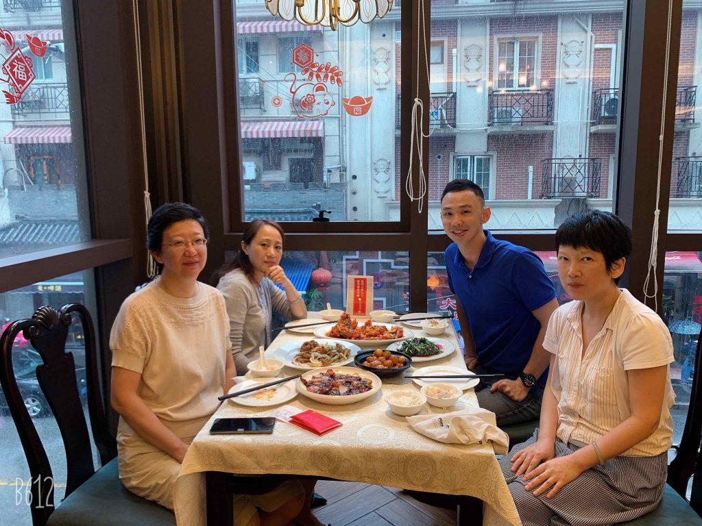 Lunch with Caroline, Fanny and Lilian at 五芳斋!!!
