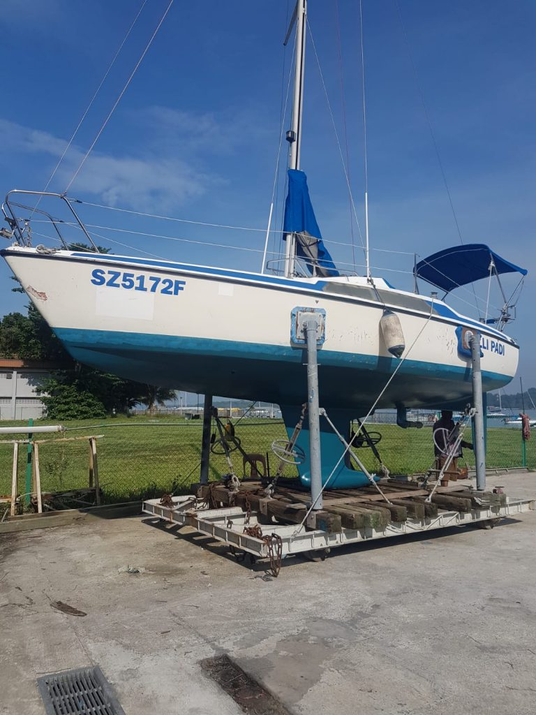 Putting on fresh coats of anti-fouling while waiting for covid to be over before sailing her to Malaysia for maintenance works!!! Thanks to partner and the club for taking good care of her!