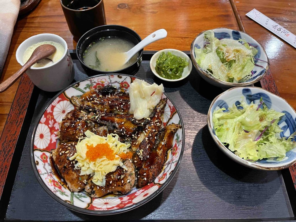 Lunch is Unagi and Caviar that melts in your mouth! all for 88 RMB! Yummy!